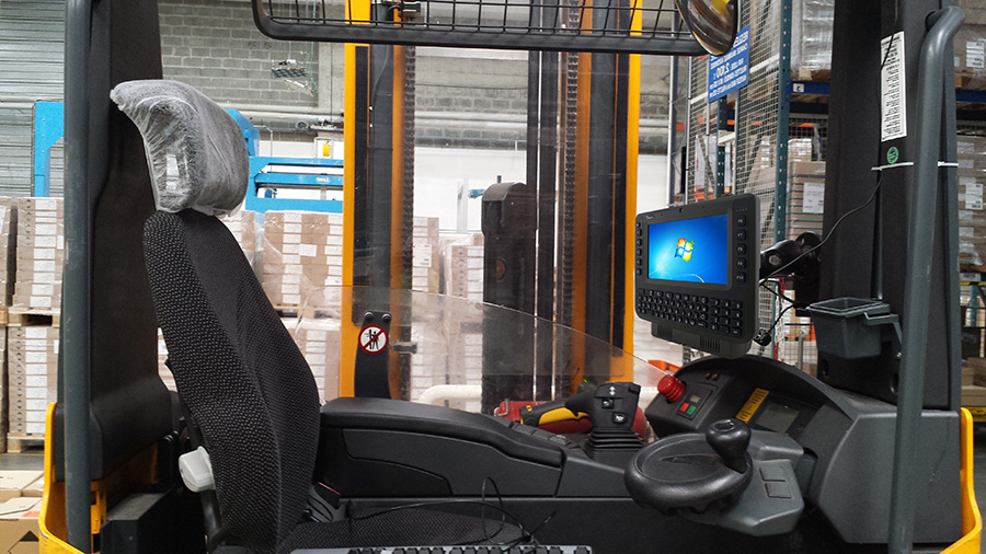 8-inch Vehicle Mounted Computer with QWERTY Keypad FM08 RAM Mount on Forklift